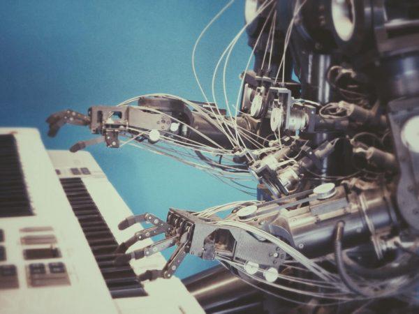 robot/piano
